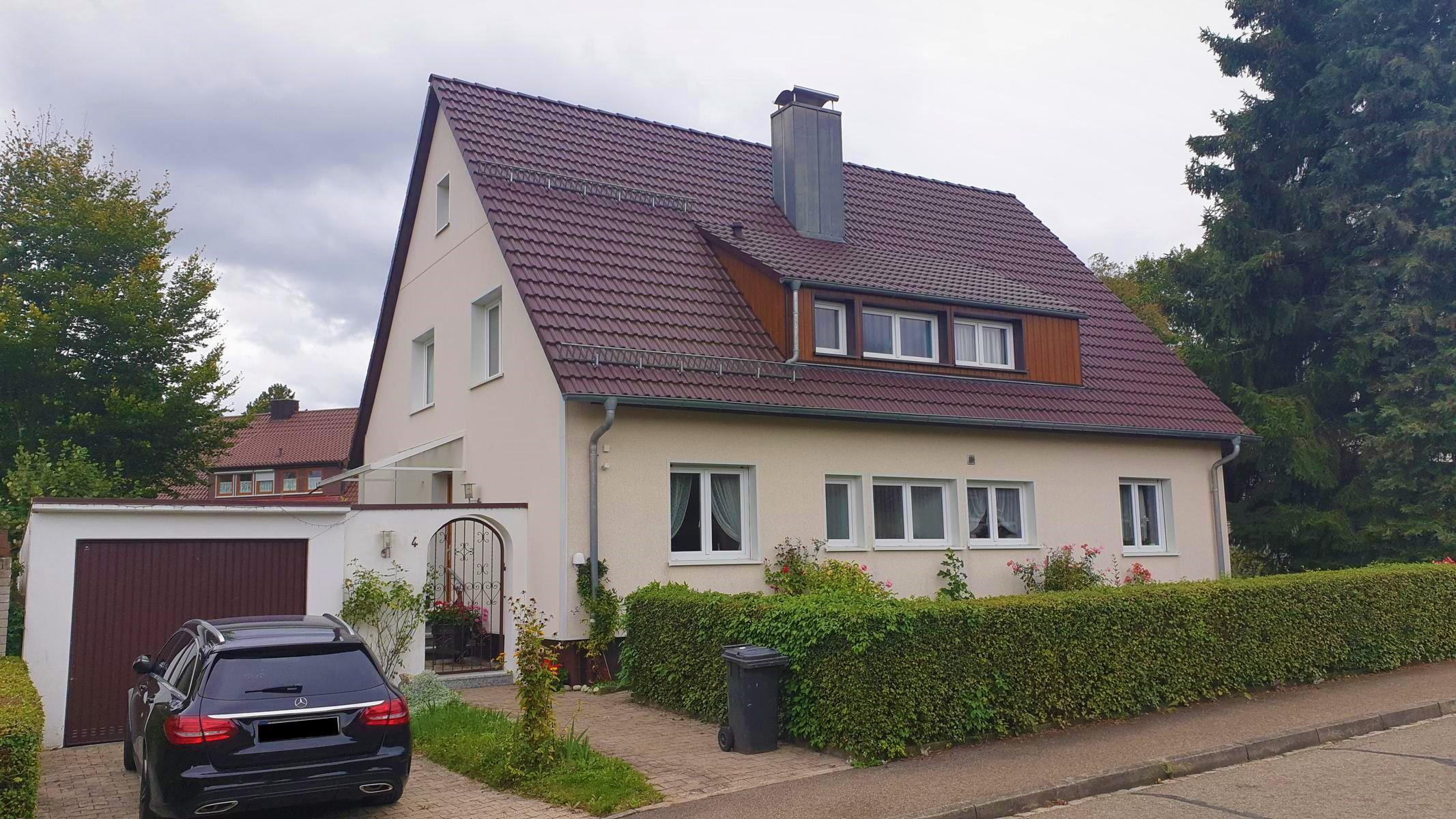 ! Für die große Familie ! Freistehendes 1-2 Fam.-Wohnhaus mit Garage in Dauchingen