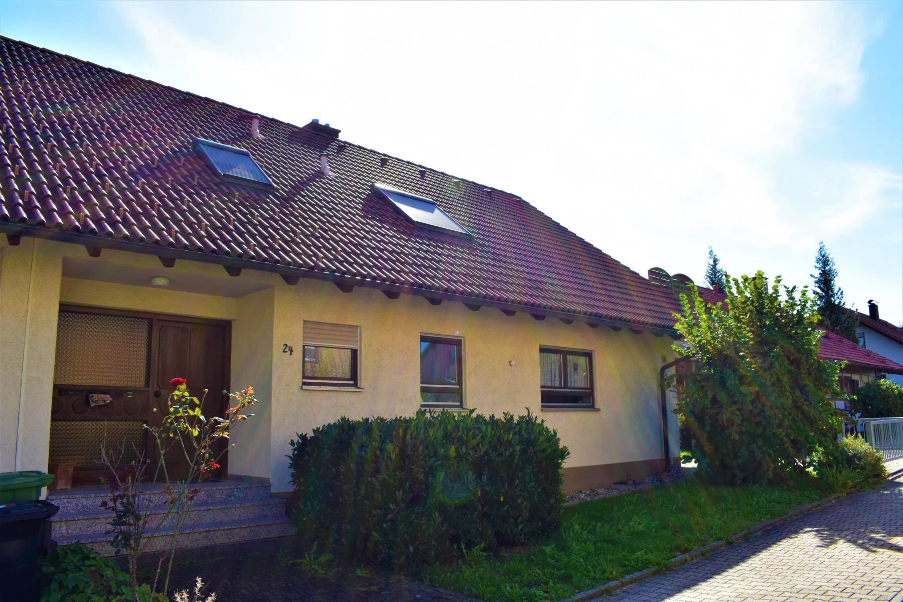 """Die Gelegenheit!! 2 Familien-Doppelhaushälfte auf dem """"Deutenberg"""" in VS-Schwenningen"""