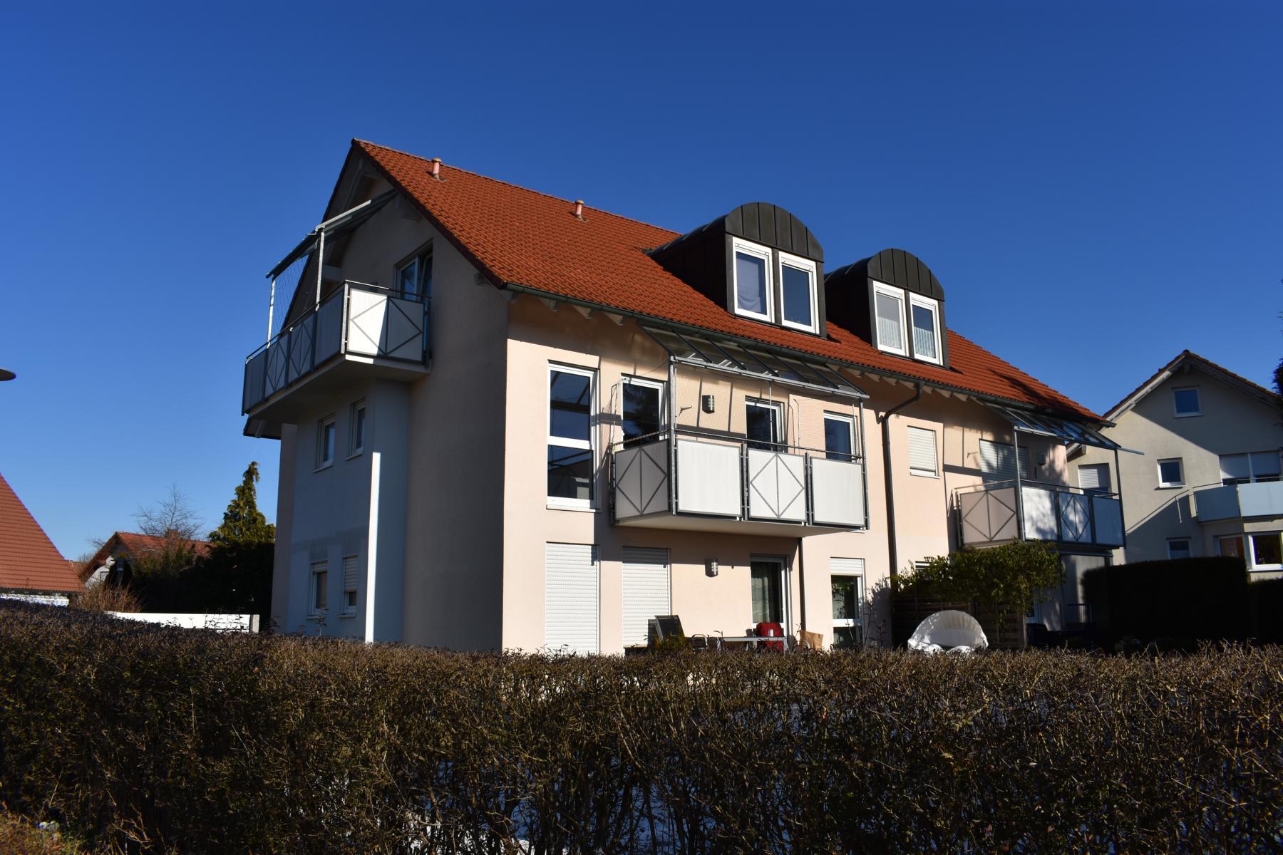 Moderne, vermietete 3,5 Zimmer-Eigentumswohnung mit TG-Stellplatz in Bad Dürrheim