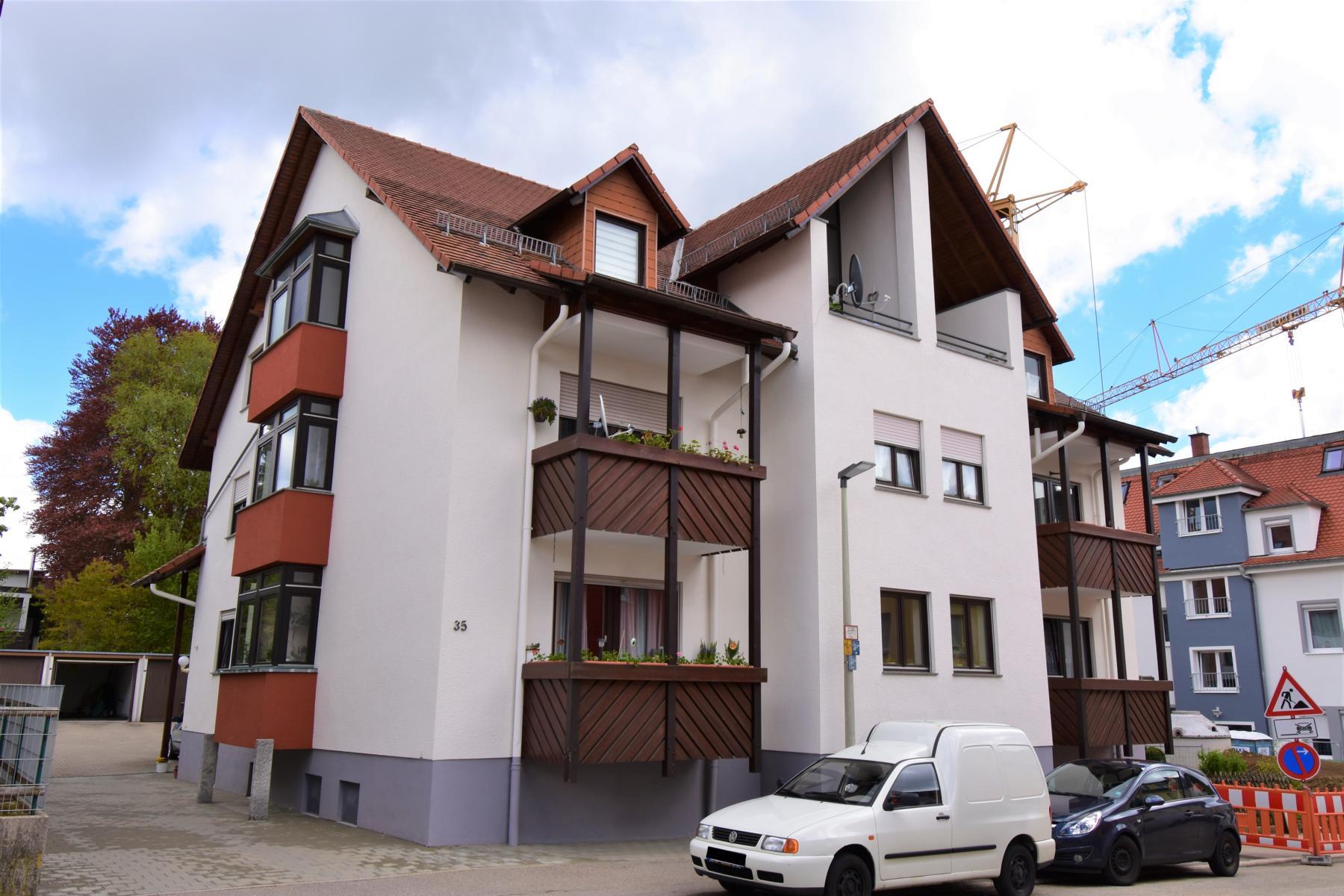 Attraktive 3,5 Zimmer-Eigentumswohnung ca. 67 m² Wfl. zzgl. ca. 30 m² Galariefläche,  Gargae in Zentrumsnähe