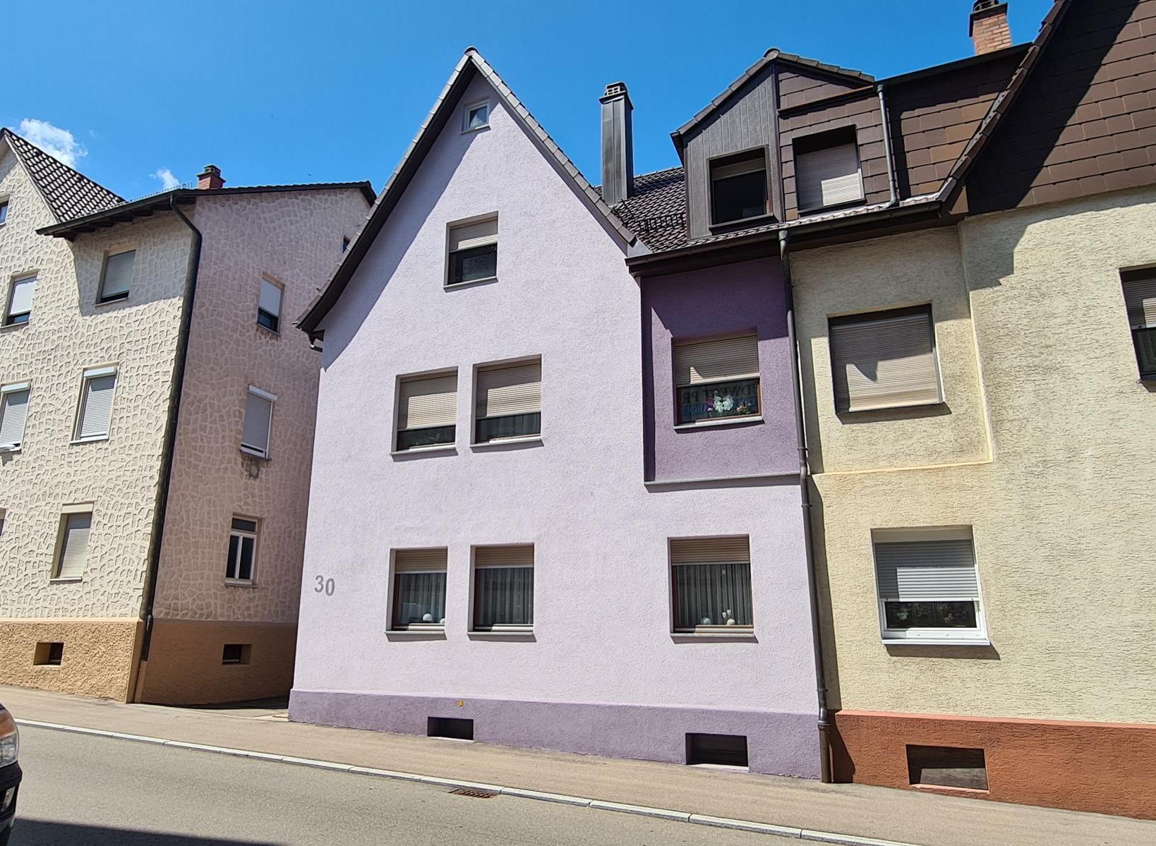 Kapitalanleger oder Eigennutzer! Gepflegte Doppelhaushälfte 3 Wohneinheiten, Garten und einer Garage