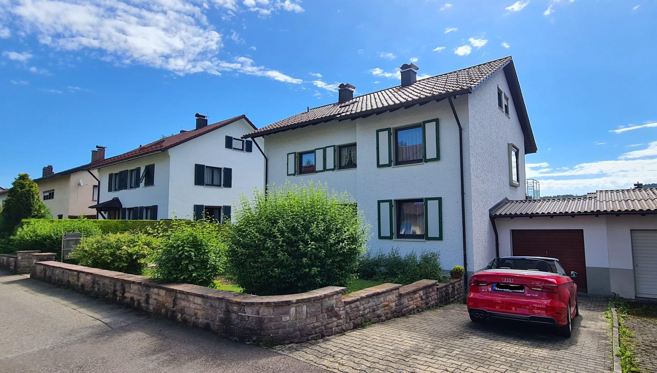 Top Angebot! Gepflegtes Zweifamilienhaus in toller Lage inkl. Photovoltaikanlage und Garage
